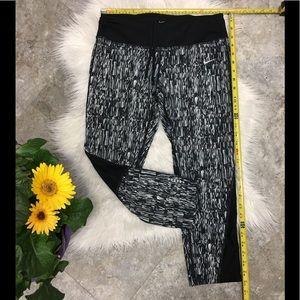 ❤️ Nike dri fit crop legging excellent condition
